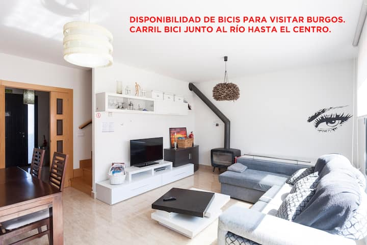 Townhouse 4 to 10 people in Burgos+WIFI+Parking