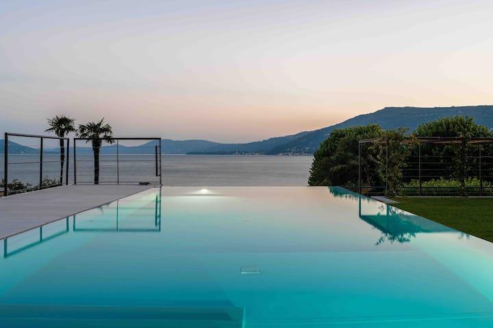 Villa lago Maggiore - Main house only