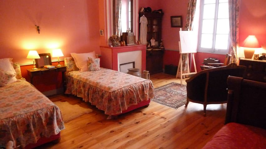 Chambre 3 lits simples + 1  Breakfast inclus - Fontet - Bed & Breakfast