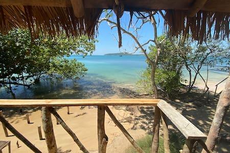 A paradise island ocean bungalow retreat