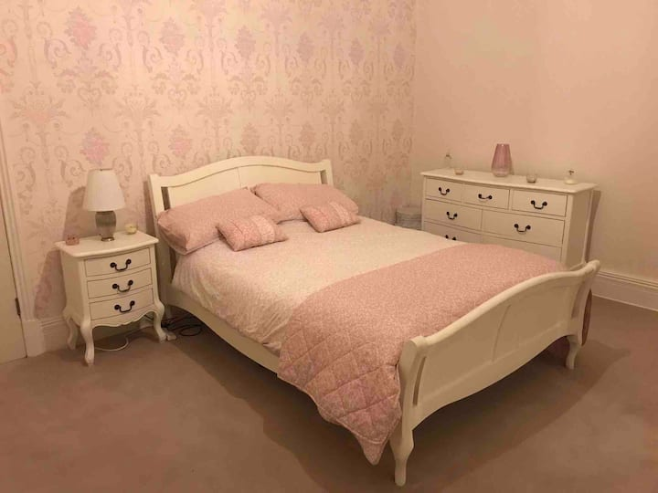 Two double Rooms in outstanding Victorian House