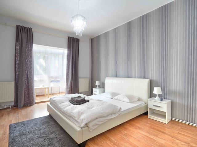 Cozy Spring apartment.3cozy room in ❤️ of bucharest