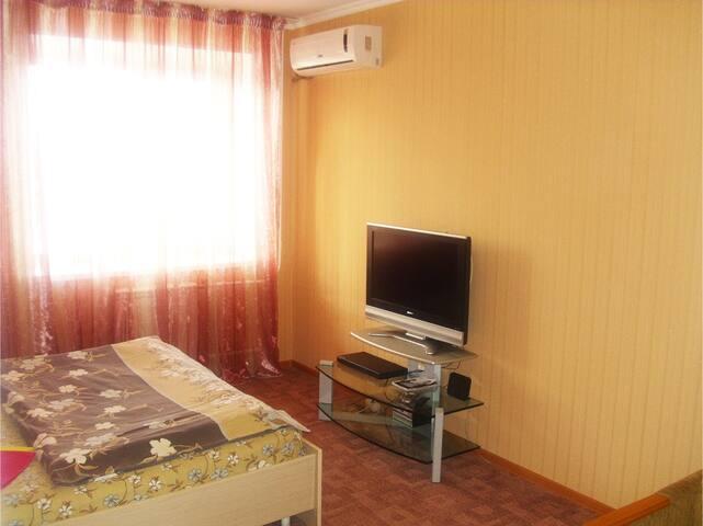 Уютная теплая чистая квартира - Omsk