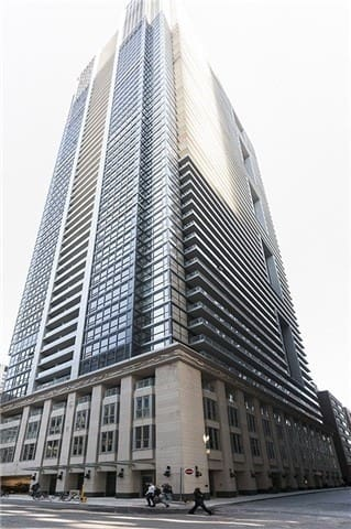 Brand new condo in the heart of the Financial District.