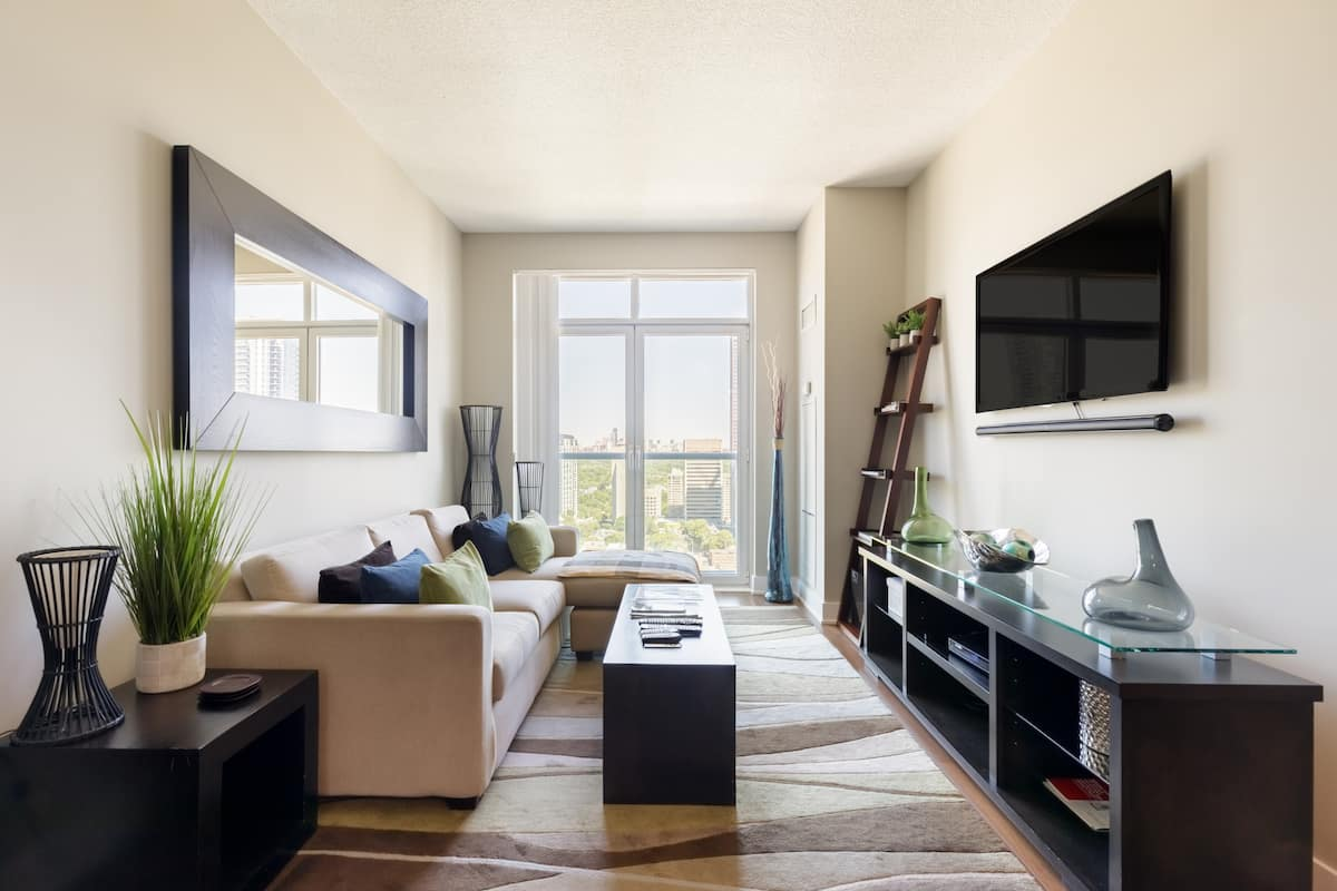 Explore Downtown from a Cosy Central Apartment