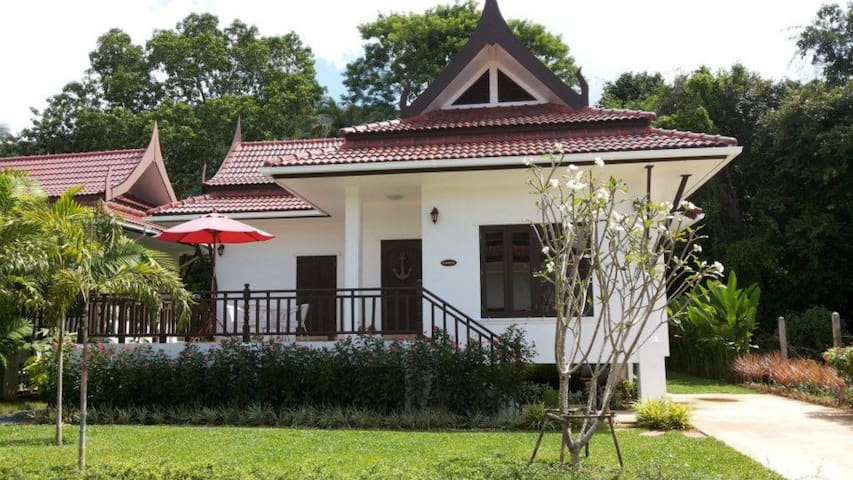 Sunflower 2 bedroom home near sea - Tambon Koh Chang Tai - Rumah