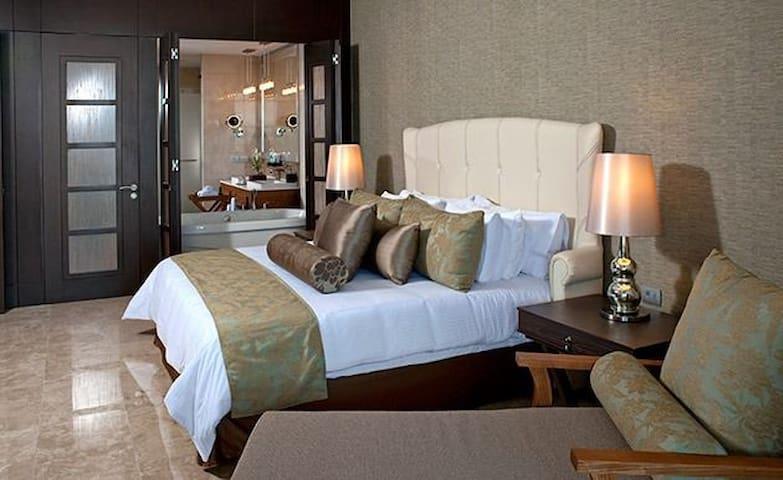 Máster Suite de Gran Luxxe lujoso departamento.