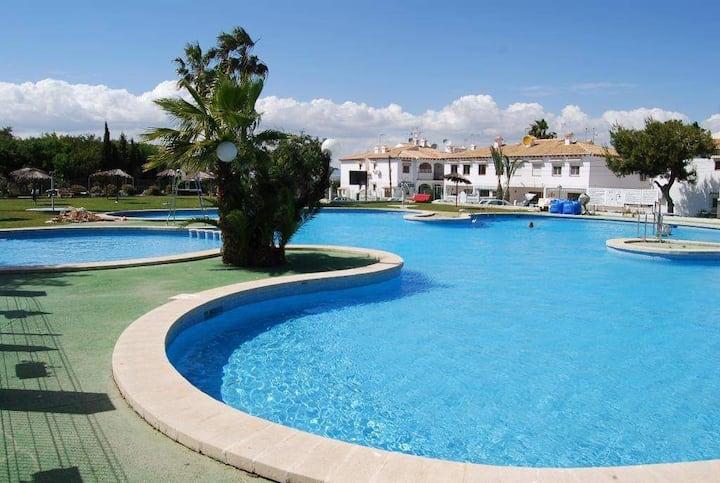 Torrevieja Lago Jardin 1 - Bungalow avec piscine