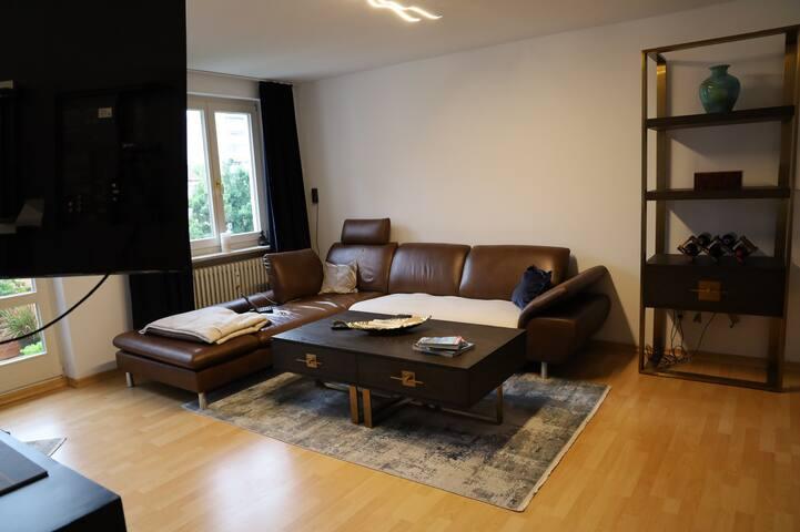 Ruhige 2 Zimmer Wohnung 57 qm im Herzen Schwabing