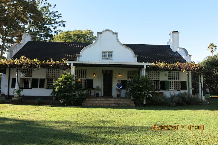 Dutch Gable Dreams - Harare - Rumah