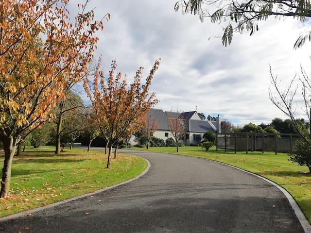 Tranquil Lifestyle,  Ohoka, 30mins to Christchurch