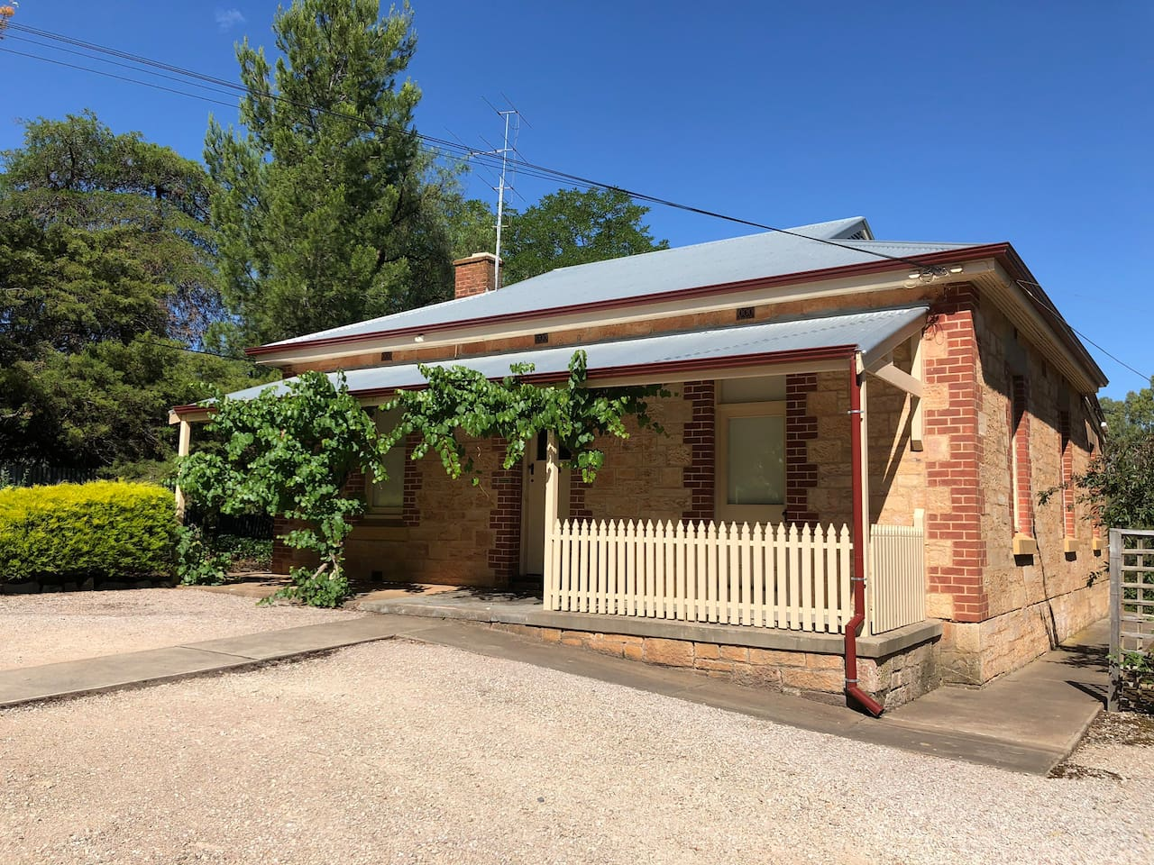 The Principal's Cottage was built in 1922 to provide accommodation for the headmaster and family. The school provided accommodation for the first 50 years.