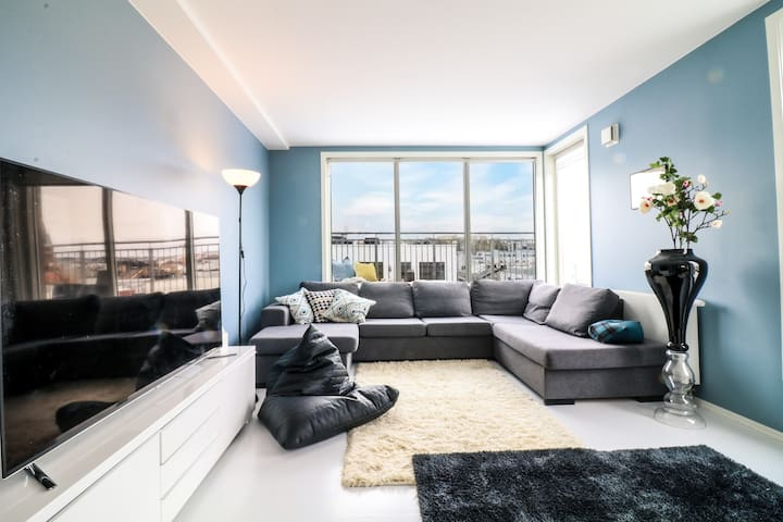 EXCLUSIVE Penthouse in City Center w/AMAZING views