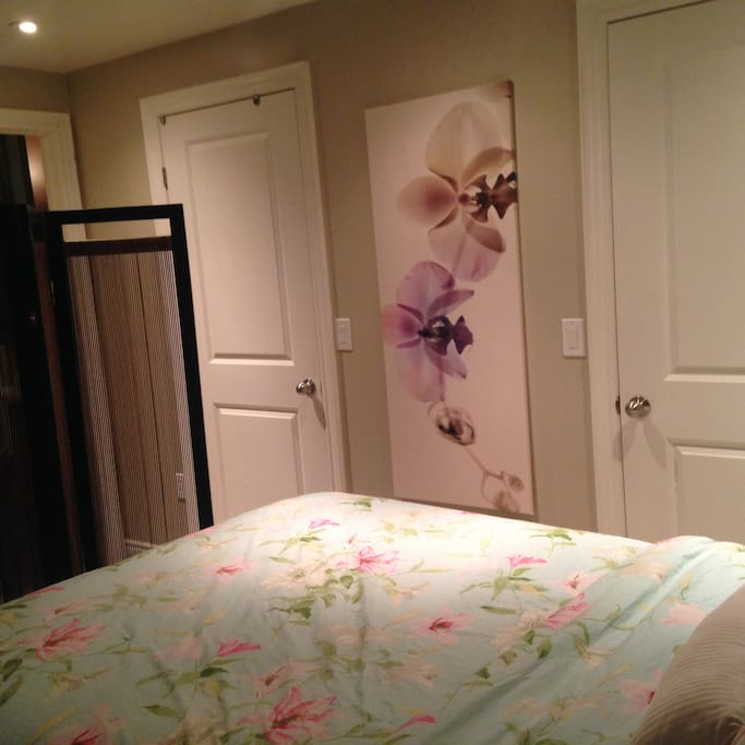 Double Bed / Wall to Wall closet