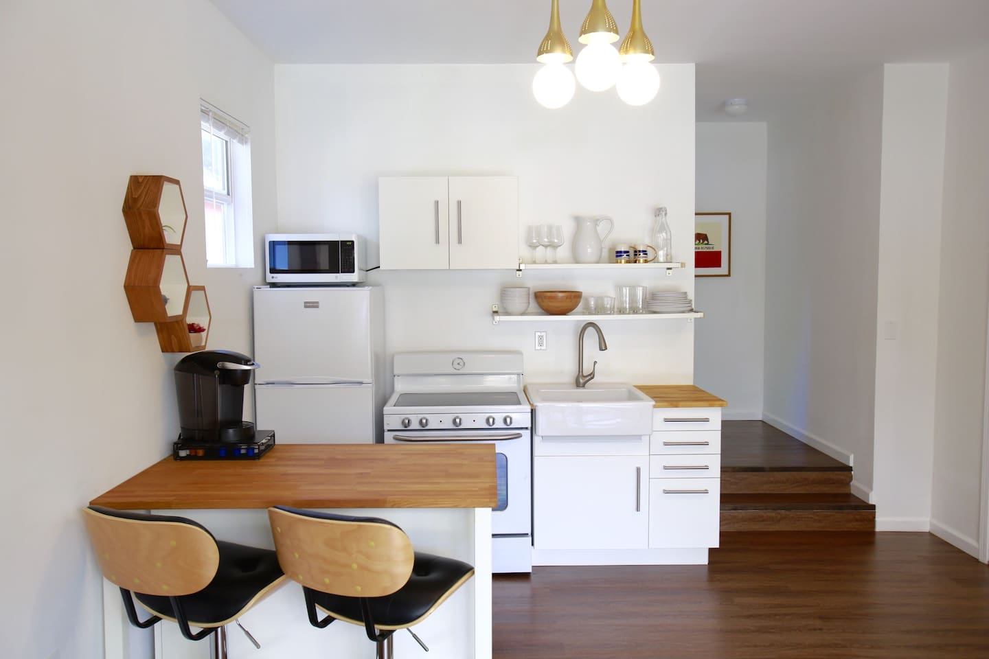 1BR Santa Monica Boulevard Cottage - Guesthouses for Rent in Los ...