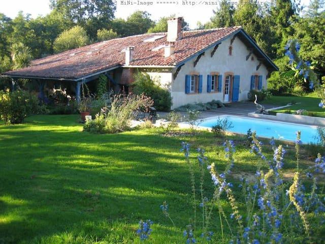 Maison de caractère avec piscine - Saint-Jean-de-Marsacq