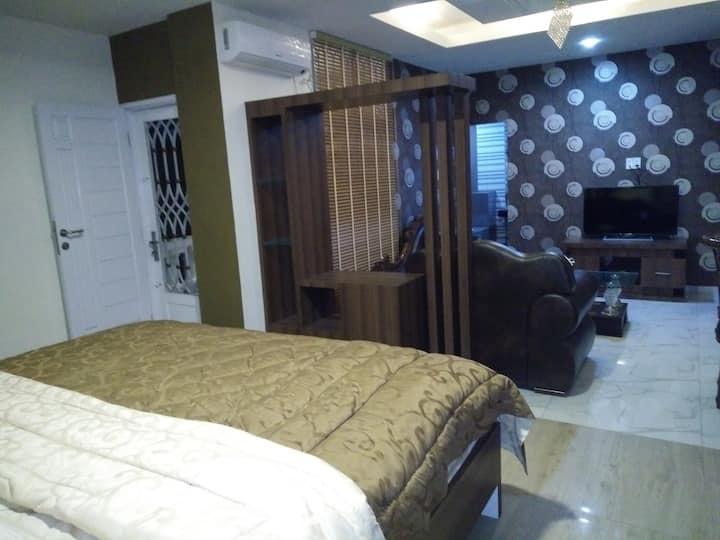 LEWI HOUSE VIP ROOM