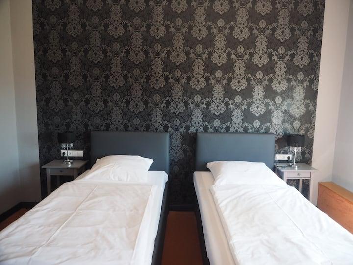 Hotel Kipphut moderne neue Doppel/ Twinzimmer