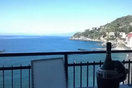 Luxury Apartment directly on the Beach ! - Sori - Apartmen