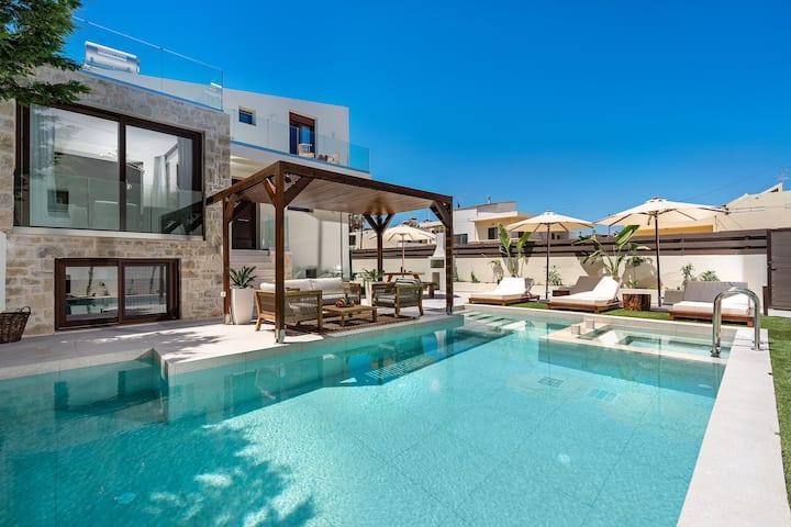 Amara Villa III - 100m to beach, gym, sauna & pool