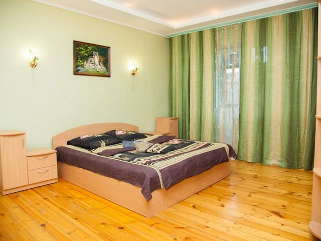 3 rooms Аpartment on Pionersky 2. Centre