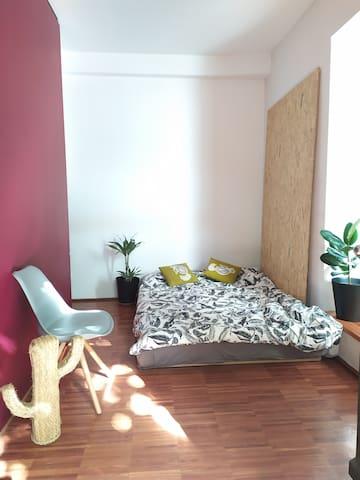 Gästezimmer in offenem Hinterhof-Haus (zentral)