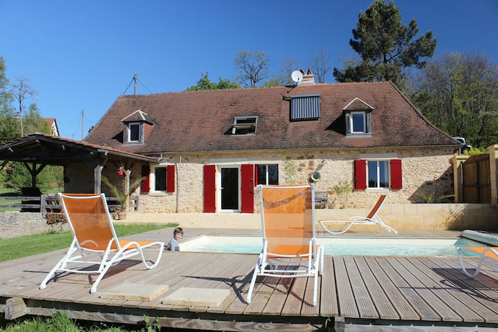 Holiday Home in Le Périgord Noir with heated pool