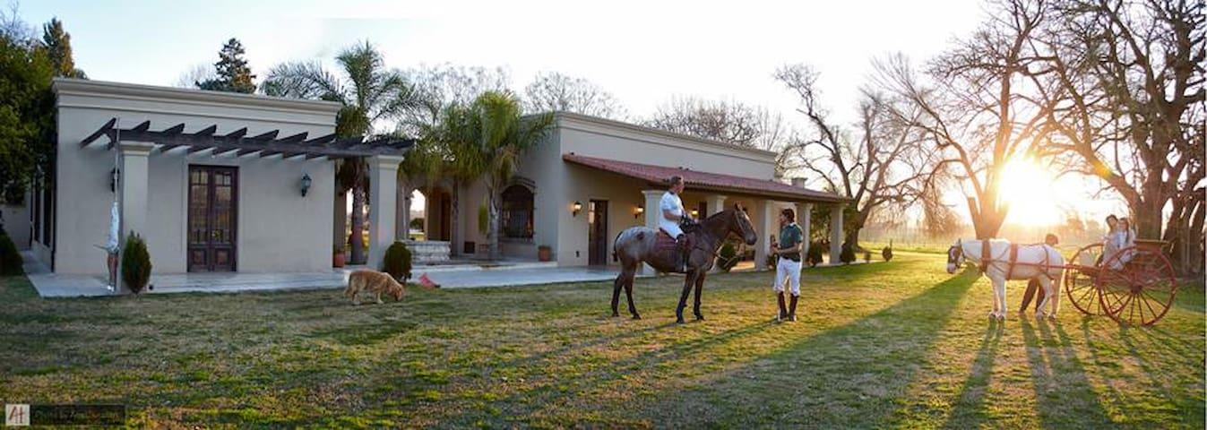 Casa de campo en un paraíso - Buenos Aires - Ev