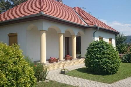 Badacsonytomaji ház a nyugodt pihenésre vágyóknak - Badacsonytomaj - Σπίτι