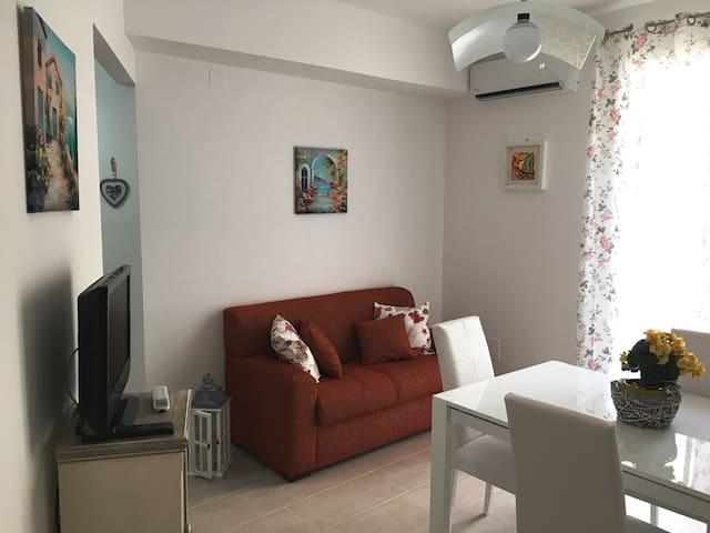 Cucina soggiorno con divano letto, climatizzata e insonorizzata