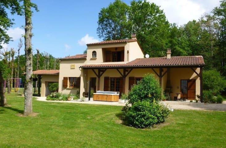 maison de campagne avec SPA dans grand parc arboré - Capdrot - House