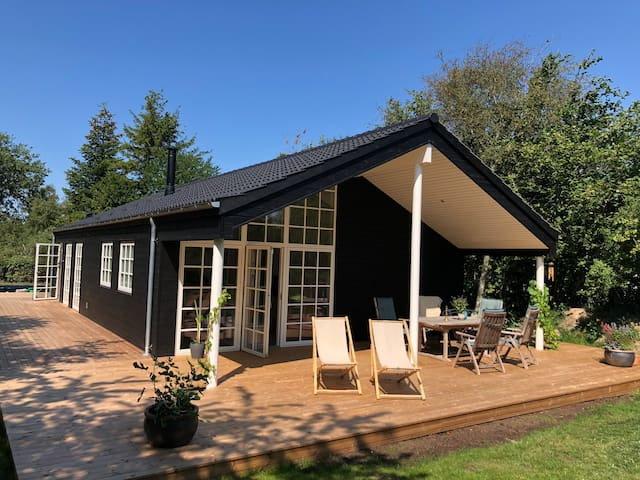 New holiday cottage near beach & beautiful nature