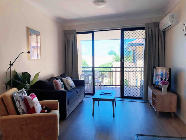 🏖Beach Side Boutique Apartment-Pool 🆓Wi-Fi🆓Parking