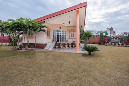 6 Bedroom Villa with Garden, Kitchen & Cook