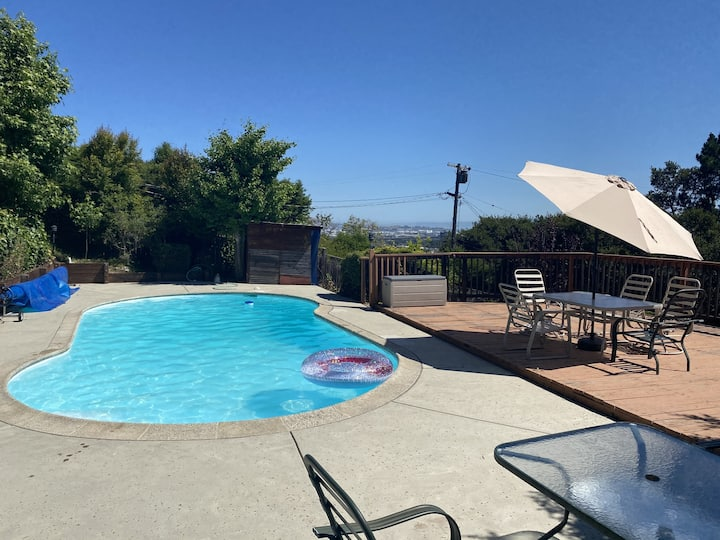 Private pool/tidy/Nice view/house/10 mins from SFO