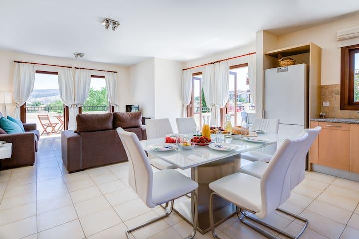 Aglaia - Stylish apartment in Aphrodite Hills