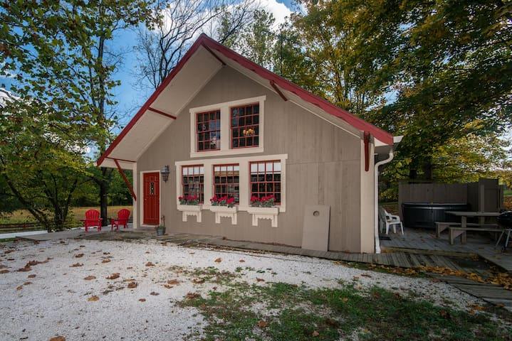 Cottage on Salt Creek