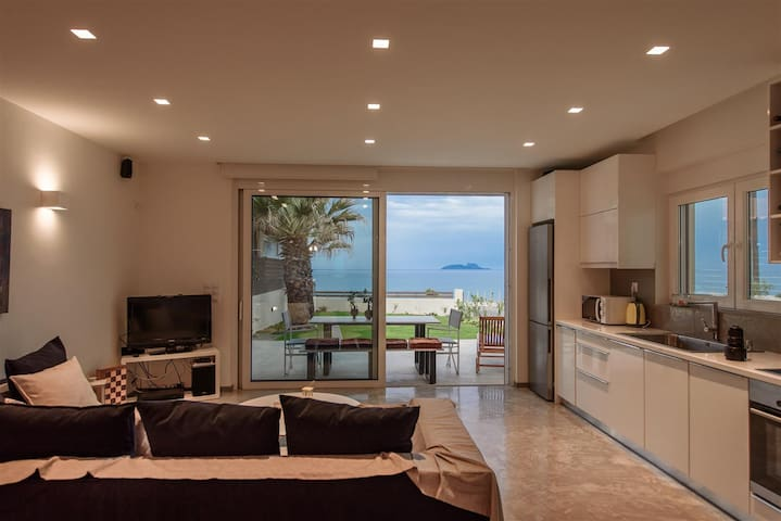 LΙDIA BEACH SUITES (SUITE LΙDIA) - Kokkinos Pirgos - Apartamento
