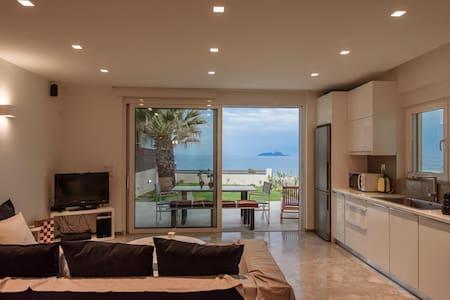ALIA BEACH SUITES (SUITE LYDIA) - Apartment