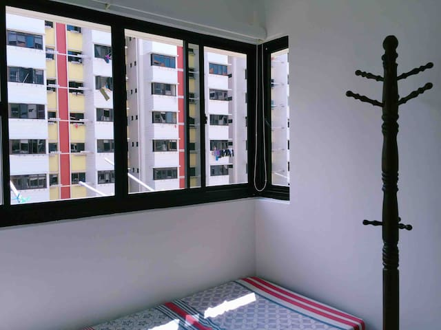Private Single Room @ Ang Mo Kio (Near MRT)