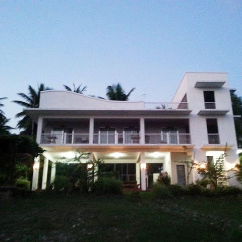 FamilyVacation House Laiya  Batangas FreeWiFi !