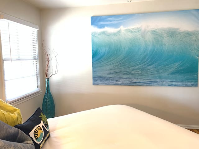 Large Comfortable Home Minutes From LAX