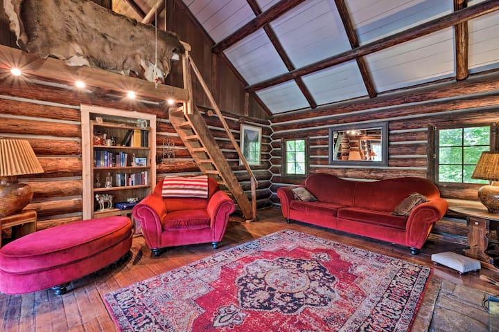 NEW! Idyllic Leavenworth Cabin by Lake Wenatchee!