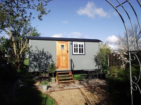 Bluebell Shepherds Hut, Goodwood