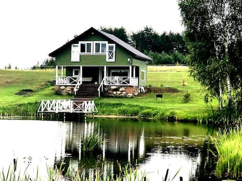 AlantosZirgai Villa@Pond (Sauna or Hottube extra)