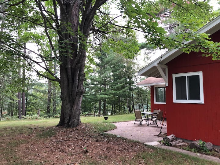 Loon Cottage—Menominee River