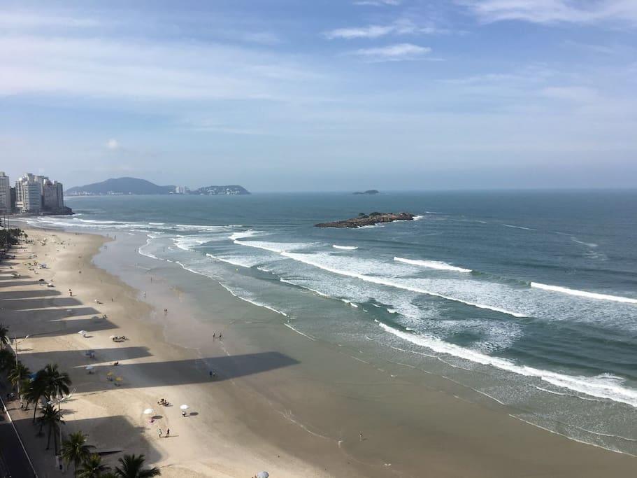 Vista do apartamento para a praia Pitangueiras