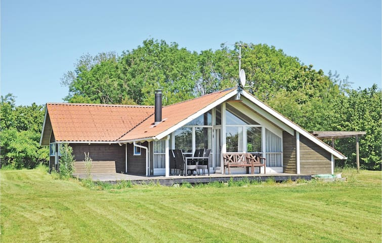 Holiday cottage with 4 bedrooms on 110m² in Sydals