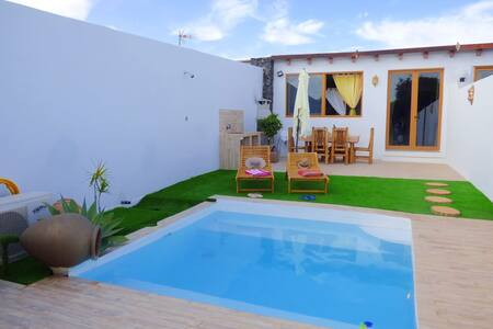 the island. villa one bedroom, BBQ, garden & pool