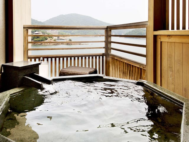 Corner View Twin Room with Open-Air Bath/ 鞆の浦温泉の旅館[Dinner and breakfast  included]